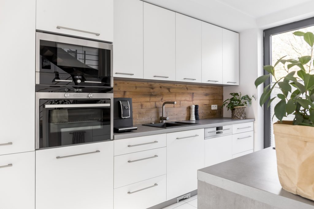 double oven kitchen, two built in ovens, bake-off tips, kitchen ideas, kitchen showroom kent
